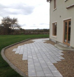 Patio with gravel